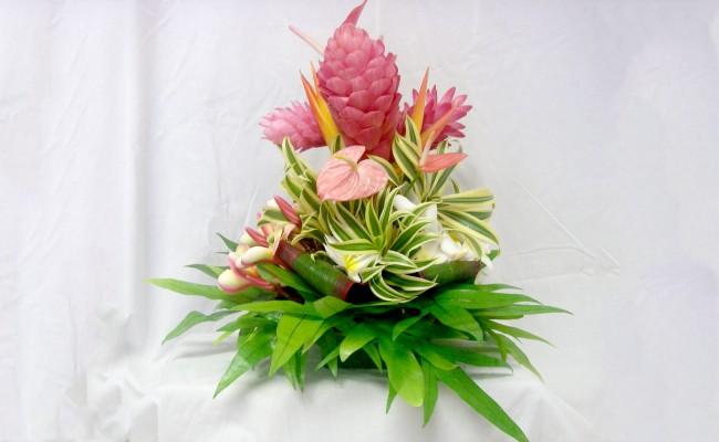 centerpiece for a kauai wedding reception order tropical flowers direct from kauai hawaii. Black Bedroom Furniture Sets. Home Design Ideas